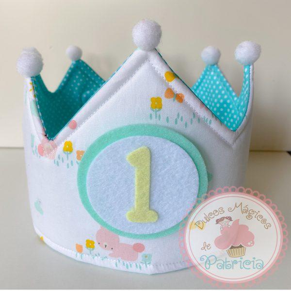 corona tela cumpleaños hecha a mano conejitos verde mini